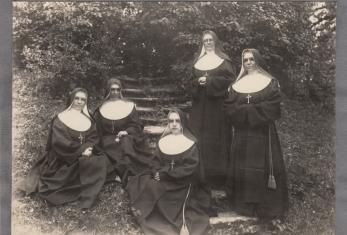 5-ios-seserys-atvyke-is-cikagos-is-kaires-Motina-Marija-ses-M-Katerina-ses-M-Angela-ses-M-Immaculata-ses-M-Anna-Marija--ab8c35f52b60bb79262c538d6019387b.jpg